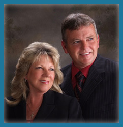 picture of Donna & Paul Fore the founders of PF Auto Glass with the goal to provide the bext Car Window Repair in Tampa
